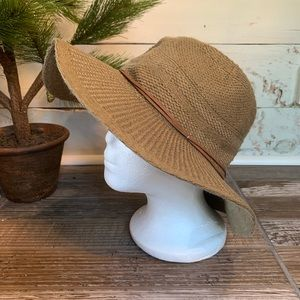 David and Young D&Y Women's Polyester Acrylic Hat